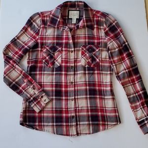 Long Sleebe Button down Plaid Shirt